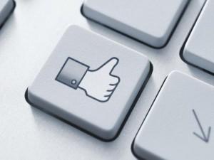"""Thủ thuật - Tiện ích - """"Giờ vàng"""" đăng status câu Like trên Facebook"""