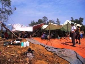 Tin tức Việt Nam - Thanh Hóa: Dân dựng lều ngăn cản xây bãi rác