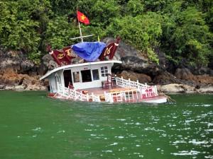 Tin tức Việt Nam - Chìm tàu nghỉ đêm trên vịnh Hạ Long