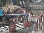 Video An ninh - TP.HCM: Sà lan kéo sập cây cầu Cái Tâm