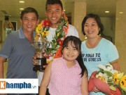 Thể thao - Hoàng Nam khoe cúp Wimbledon trong vòng vây NHM