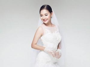 Ngắm vợ Duy Nhân xinh đẹp trong bộ váy cô dâu