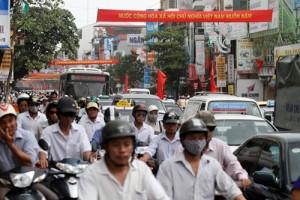 Tin tức trong ngày - Phí đường bộ xe máy: Dừng hay tiếp tục thu?