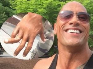 Video phim đặc sắc - Video: Sao Fast & Furious dọa fan trình diễn ngón tay gẫy