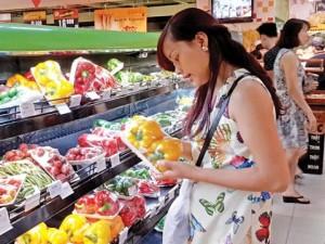 """Giá cả - Lo thực phẩm """"bẩn"""", người Việt vẫn nhắm mắt mua"""