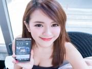 Thời trang Hi-tech - Dàn hotgirl khoe vẻ đẹp mặn mà bên smartphone
