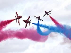 """Thế giới - Đã mắt ngắm các phi công Hoàng gia Anh """"làm xiếc"""""""