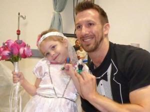"""Tình yêu - Giới tính - Đám cưới """"trong mơ"""" của cô bé 4 tuổi mắc ung thư"""
