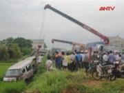 Video An ninh - Tai nạn liên tiếp trên QL1A, 13 người thương vong