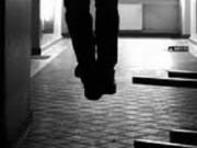 An ninh Xã hội - Nam thanh niên chết trong tư thế treo cổ ở nhà nghỉ