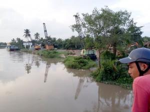 Tin tức trong ngày - Tiền Giang: Xác phụ nữ lõa thể, mất cánh tay nổi trên sông