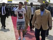 Bóng đá - Sao 360 độ 21/7: Đặt một viên gạch, Messi kiếm 3,5 triệu Euro