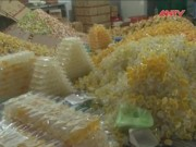 Thị trường - Tiêu dùng - Phát hiện xưởng sản xuất gần 15 tấn thạch rau câu giả