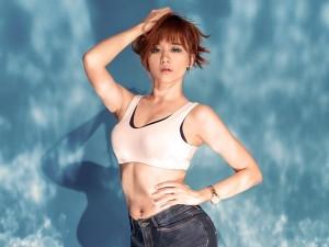 Ca nhạc - MTV - Hari Won khoe eo thon gợi cảm ở tuổi 30