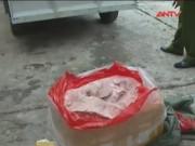 """Video An ninh - Bắt hơn 1 tấn nầm lợn mốc """"chui"""" vào quán nhậu"""