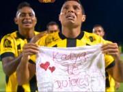 Bóng đá - Lãng mạn: Cầu thủ cầu hôn bạn gái sau khi ghi bàn