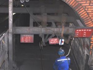 Tin tức trong ngày - Quảng Ninh: Sập lò than trong đêm, 2 công nhân tử nạn