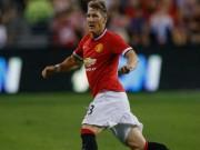 """Bóng đá - MU thắng trận, Schweinsteiger bị Van Gaal """"chê"""""""