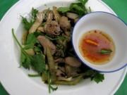 Ẩm thực - Lạ miệng món bao tử cá ba sa xào dưa cải