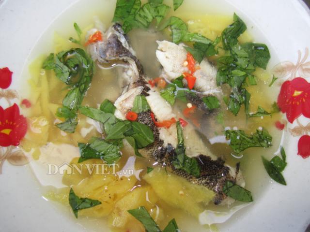 Ngọt thơm, dân dã món canh cá bống dừa nấu khóm