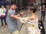 Bạn trẻ - Cuộc sống - Cặp đôi đánh nhau nảy lửa trong lần đầu diện kiến