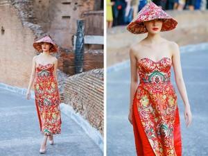 Trung Quốc xôn xao vì áo dài cúp ngực Thùy Dung mặc
