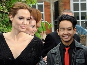 Hậu trường phim - Angelina Jolie làm phim về quê hương của con trai nuôi