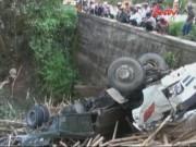 Video An ninh - Quảng Nam: Xe chở gỗ lao xuống vực, 3 người thương vong
