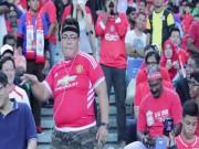 Bóng đá - Fan MU đến sân, nhảy trêu khán giả Liverpool