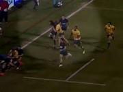 Thể thao - Cầu thủ rugby Úc gây sốc khi đánh nguội đối thủ
