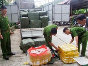 Giá cả - Phát hiện 1,2 tấn nầm lợn mốc nhập lậu từ biên giới