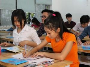 """Giáo dục - du học - Tuyển sinh ĐH-CĐ 2015: Các trường tung học bổng """"khủng"""" thu hút thí sinh"""