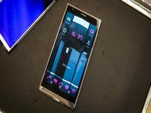 Dế giá rẻ - Điện thoại tinh thể lỏng Turing Phone siêu bền, siêu bảo mật