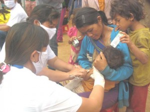 Sức khỏe đời sống - Quảng Nam: Gần 900 người dân vùng dịch bạch hầu được tiêm vắc xin