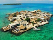 Du lịch - Ngàn người chen chúc sống trên hòn đảo chật nhất TG