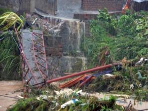 Tin tức Việt Nam - Mưa lớn trút xuống Quảng Ninh gây sạt đồi, gãy cầu
