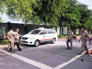 Tin tức Việt Nam - Tài xế taxi chết bí ẩn trong xe