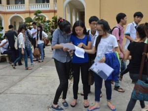 Giáo dục - du học - Thêm nhiều trường tại TP.HCM công bố điểm xét tuyển NV1