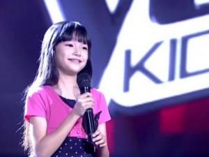 """Cô bé  """" gây sốt """"  khi hát ca khúc của Thùy Chi tại Thái Lan"""