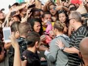 Thể thao - Trước đại chiến, fan Brazil khóc vì Ronda Rousey