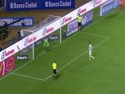 Bóng đá - Thảm họa Panenka: Bị thủ môn đỡ bóng bằng… ngực