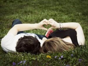 Bạn trẻ - Cuộc sống - Thơ tình: Anh mãi yêu em!