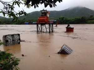 Tin tức Việt Nam - Hình ảnh mưa lũ bủa vây miền Bắc