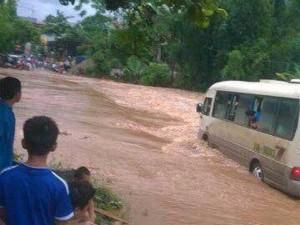 Tin tức Việt Nam - Lũ quét, sạt lở đất đá tiếp tục đe dọa vùng núi phía bắc