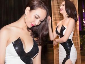 Người mẫu - Hoa hậu - Hoa hậu Ngọc Diễm khoe khéo thềm ngực đầy đặn