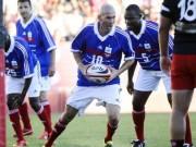 Bóng đá - Zidane và thế hệ Vàng nước Pháp trổ tài bóng bầu dục