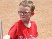 Thể thao - Cậu bé nhặt bóng 9 tuổi chết vì gậy bóng chày