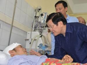 Chủ tịch nước thăm nạn nhân trong trận lũ lịch sử ở Quảng Ninh