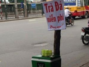 Tin tức trong ngày - PGĐ Sở GTVT Hà Nội nói về bình trà đá miễn phí trên vỉa hè