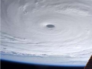 """Tin tức trong ngày - Mỹ cảnh báo siêu bão mạnh nhất 2015 sẽ gây """"sóng tử thần"""""""